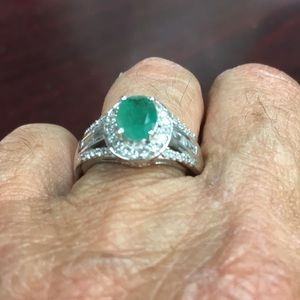 Jewelry - New Size 7Sterling Silver and Emerald ring